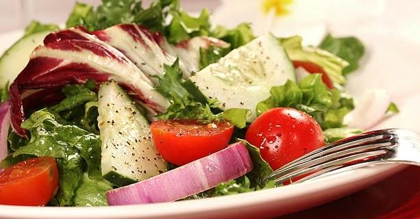 receta-ensaladas-col-rizada-edamame-quinoa-613x342