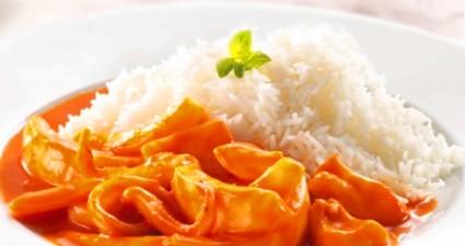 calamares-en-salsa-americana-con-arroz